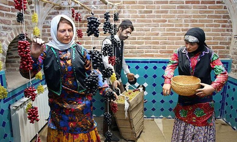 آشنایی با لباس محلی زنان و مردان قزوین