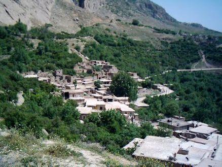روستاي زرده معروف به دهکده شیمیایی ها