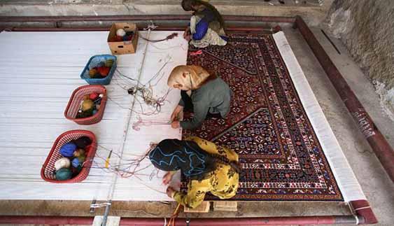 بیمه تامین اجتماعی رایگان برای هنرمندان صنایع دستی در روستاها