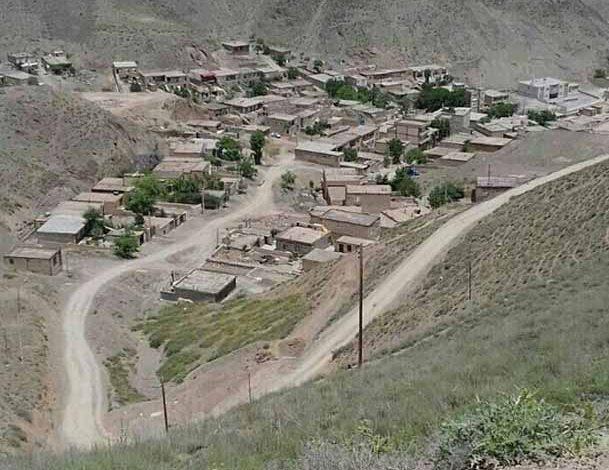 روستای سر سبز ییلاقی و زیارتی پایه