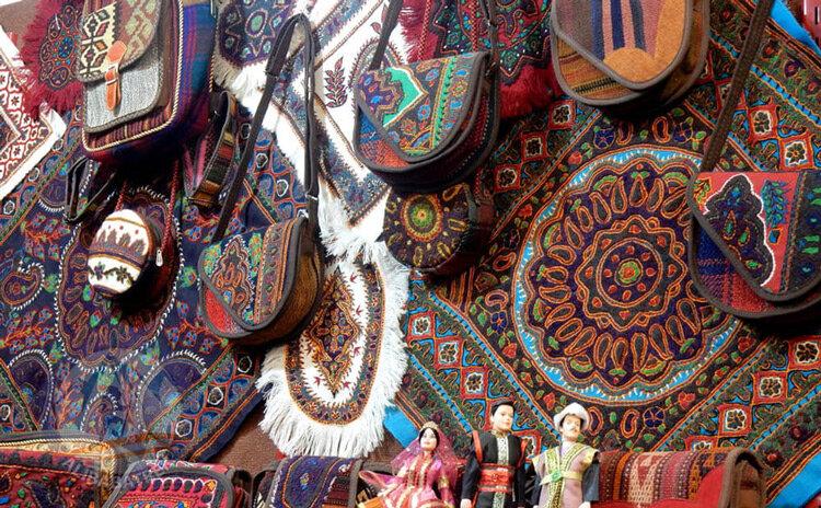 هنرمندان صنایع دستی تصویر زیبای استان مرکزی را به جهان نشان دهند