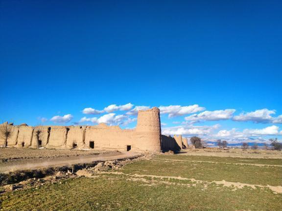 قلعه تاریخی روستای لریجان محلات
