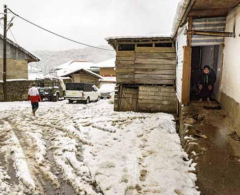 روستای« تابستان نشین» املش در برف