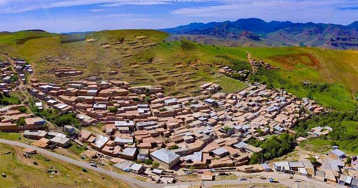 «توتاخانه» روستایی با معماری پلکانی در شهرستان بناب